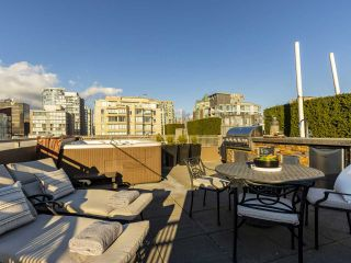 """Photo 37: 2001 1055 RICHARDS Street in Vancouver: Downtown VW Condo for sale in """"Donovan"""" (Vancouver West)  : MLS®# R2555936"""
