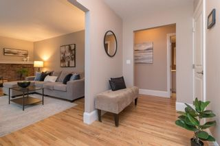 Photo 6: 1928 Barrett Dr in North Saanich: NS Dean Park House for sale : MLS®# 887124