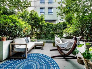 """Photo 8: 222 256 E 2ND Avenue in Vancouver: Mount Pleasant VE Condo for sale in """"Jacobsen"""" (Vancouver East)  : MLS®# R2495462"""