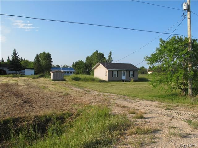 Photo 3: Photos:  in St Laurent: Lake Manitoba Estates Residential for sale (R19)  : MLS®# 1806775