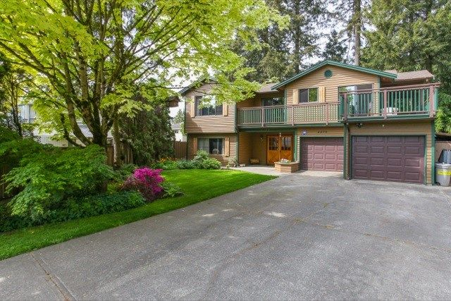"""Photo 2: Photos: 6079 132A Street in Surrey: Panorama Ridge House for sale in """"North Ridge"""" : MLS®# R2065157"""