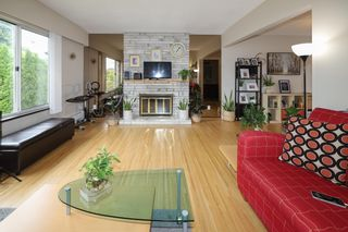 Photo 4: 3070 E 52ND Avenue in Vancouver: Killarney VE House for sale (Vancouver East)  : MLS®# R2611651