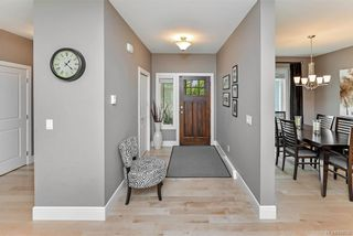 Photo 3: 2014 Hawkins Pl in Highlands: Hi Bear Mountain House for sale : MLS®# 838746