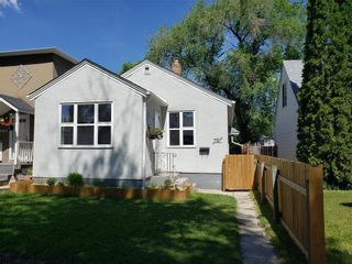 Photo 1: 741 Ebby Avenue in Winnipeg: Crescentwood Residential for sale (1B)  : MLS®# 202115042