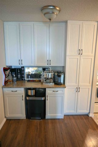 Photo 7: 1404 11307 99 Avenue in Edmonton: Zone 12 Condo for sale : MLS®# E4247879