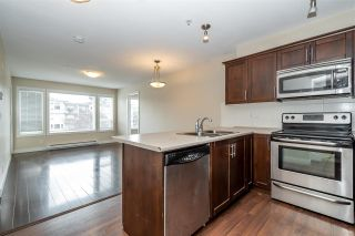 Photo 3: 305 46289 YALE Road in Chilliwack: Chilliwack E Young-Yale Condo for sale : MLS®# R2591698