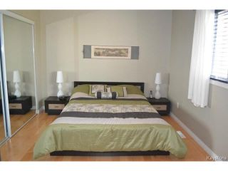 Photo 12: 97 Greensboro Square in WINNIPEG: Fort Garry / Whyte Ridge / St Norbert Residential for sale (South Winnipeg)  : MLS®# 1512277