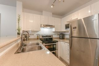 Photo 5: PH5 868 KINGSWAY Street in Vancouver: Fraser VE Condo for sale (Vancouver East)  : MLS®# R2565360