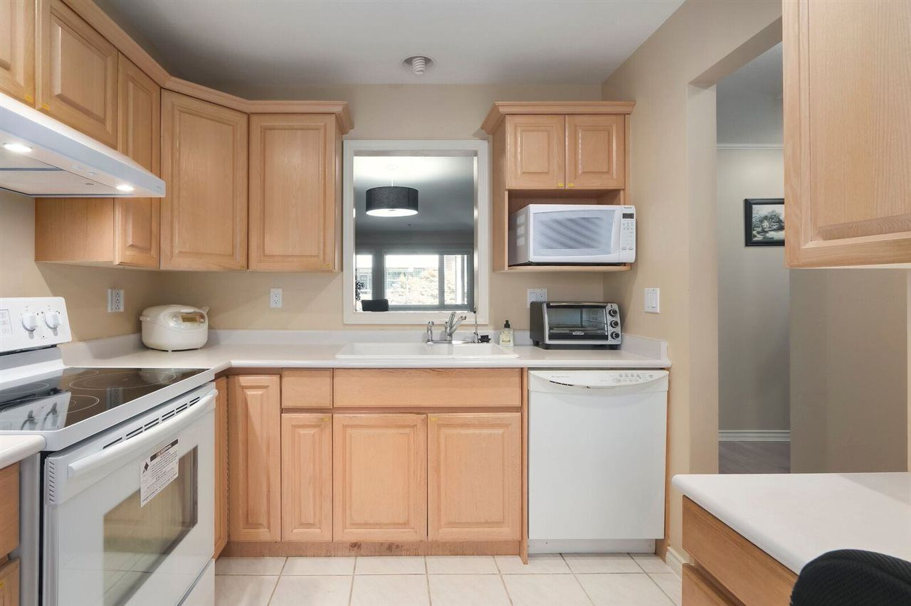 Main Photo: 205 2577 WILLOW STREET in : Fairview VW Condo for sale (Vancouver West)  : MLS®# R2392759