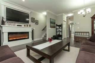 """Photo 4: 11 33860 MARSHALL Road in Abbotsford: Central Abbotsford Townhouse for sale in """"MARSHALL MEWS"""" : MLS®# R2075997"""
