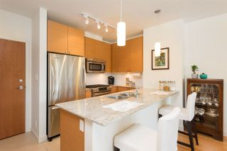 "Photo 4: 907 110 BREW Street in Port Moody: Port Moody Centre Condo for sale in ""ARIA 1"" : MLS®# R2112290"
