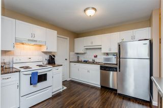 """Photo 5: 315 33175 OLD YALE Road in Abbotsford: Central Abbotsford Condo for sale in """"Sommerset Ridge"""" : MLS®# R2207400"""