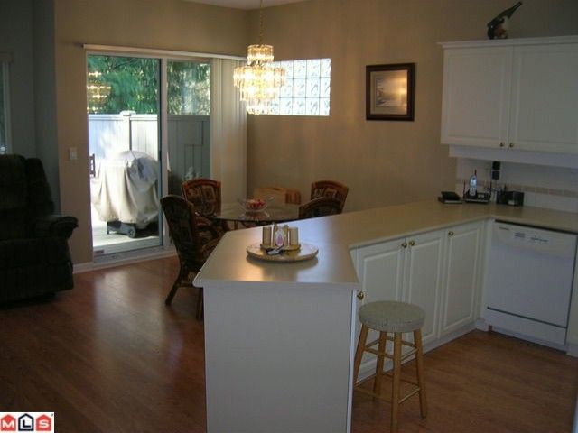 """Photo 5: Photos: 16 9025 216TH Street in Langley: Walnut Grove Townhouse for sale in """"COVENTRY WOODS"""" : MLS®# F1006312"""
