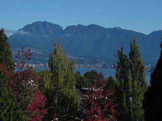 Photo 3: 502 2580 TOLMIE STREET in Vancouver: Point Grey Condo for sale (Vancouver West)  : MLS®# R2334008