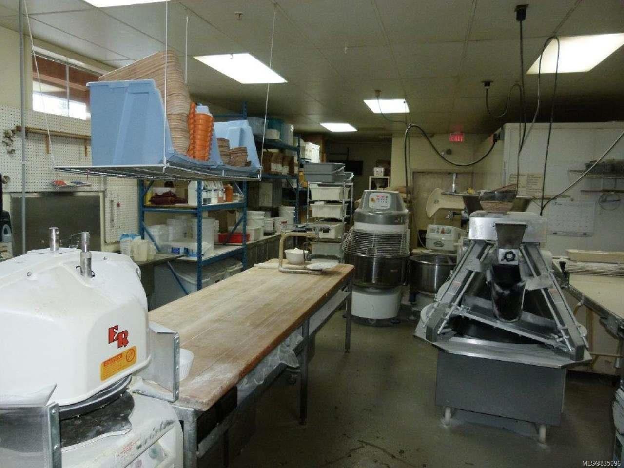 Photo 32: Photos: 2025 Bowen Rd in NANAIMO: Na Central Nanaimo Mixed Use for sale (Nanaimo)  : MLS®# 835096