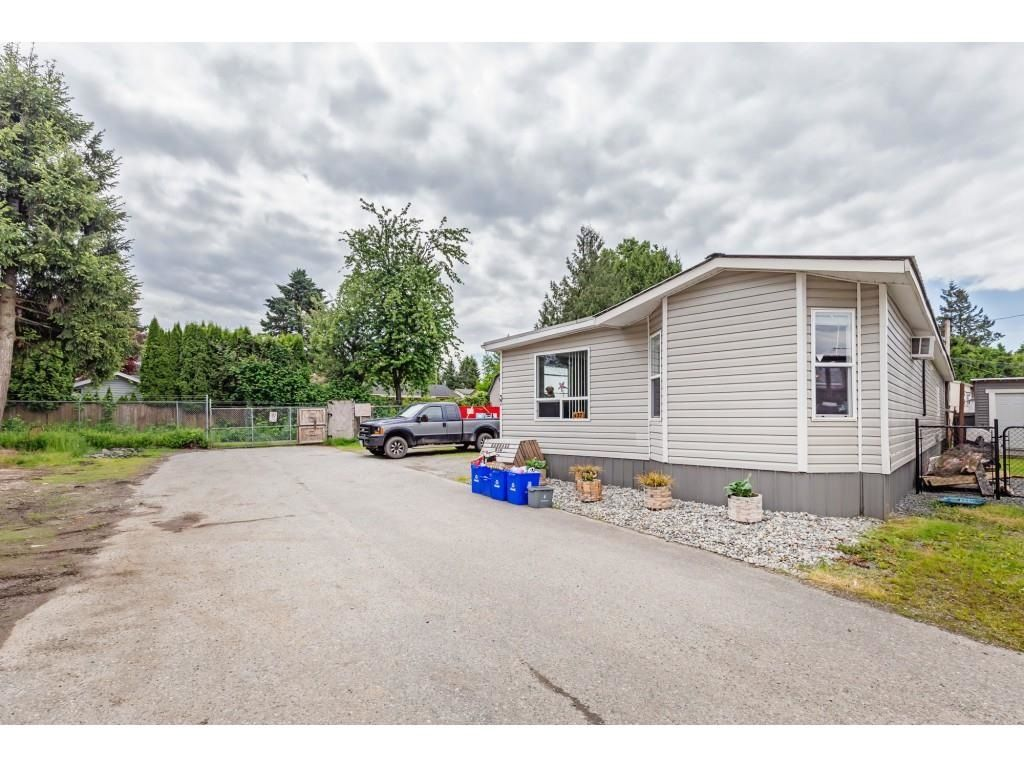 "Main Photo: 37 26892 FRASER Highway in Langley: Aldergrove Langley Manufactured Home for sale in ""Aldergrove Mobile Home Park"" : MLS®# R2596606"