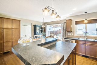 Photo 13: 744 PRESTWICK Circle SE in Calgary: McKenzie Towne Detached for sale : MLS®# A1024986