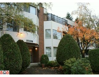 """Photo 1: 101 32098 GEORGE FERGUSON Way in Abbotsford: Abbotsford West Condo for sale in """"Heather Court"""" : MLS®# F1001149"""