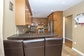 Photo 7: 682 WILMOT Street in Coquitlam: Central Coquitlam House for sale : MLS®# R2062598
