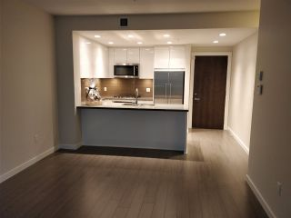 """Photo 5: 110 255 W 1ST Street in North Vancouver: Lower Lonsdale Condo for sale in """"WEST QUAY"""" : MLS®# R2458983"""