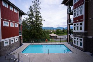 """Photo 26: 301 2238 WHATCOM Road in Abbotsford: Abbotsford East Condo for sale in """"WATERLEAF"""" : MLS®# R2492483"""