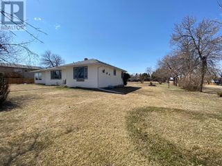 Photo 3: 4220 50 Street in Spirit River: House for sale : MLS®# A1076973