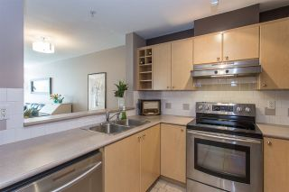 """Photo 6: 422 3122 ST JOHNS Street in Port Moody: Port Moody Centre Condo for sale in """"SONRISA"""" : MLS®# R2159286"""