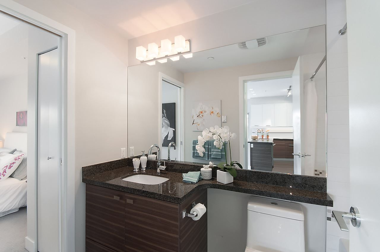 """Photo 18: Photos: 205 1273 MARINE Drive in North Vancouver: Norgate Condo for sale in """"THE IVY"""" : MLS®# R2116116"""