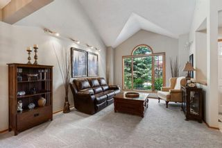 Photo 2: 75 Silverstone Road NW in Calgary: Silver Springs Detached for sale : MLS®# A1129915