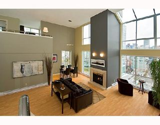 """Photo 2: PH1 1500 HOWE Street in Vancouver: False Creek North Condo for sale in """"DISCOVERY"""" (Vancouver West)  : MLS®# V677666"""