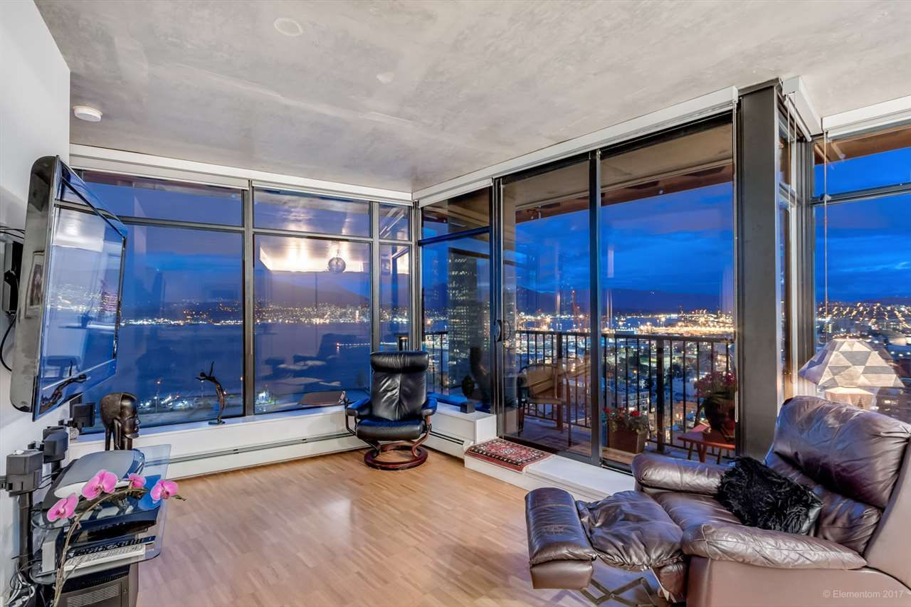 """Photo 4: Photos: 2503 128 W CORDOVA Street in Vancouver: Downtown VW Condo for sale in """"WOODWARDS W43"""" (Vancouver West)  : MLS®# R2199379"""