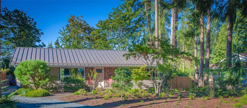 FEATURED LISTING: 389 Dorset Rd