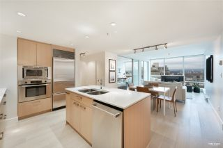 "Photo 3: 701 1675 W 8TH Avenue in Vancouver: Fairview VW Condo for sale in ""Camera"" (Vancouver West)  : MLS®# R2530414"