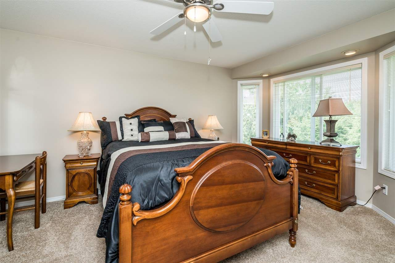 """Photo 20: Photos: 35715 LEDGEVIEW Drive in Abbotsford: Abbotsford East House for sale in """"Ledgeview Estates"""" : MLS®# R2481502"""
