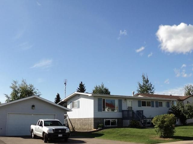 Main Photo: 5531 MAXHAMISH Crescent in Fort Nelson: Fort Nelson -Town House for sale (Fort Nelson (Zone 64))  : MLS®# N213479