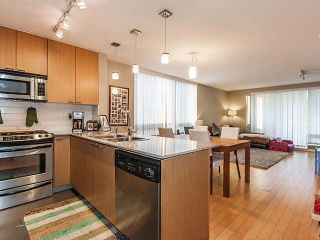 Photo 5: 601 39 SIXTH Street in NEW WESTMINSTER: Downtown NW Condo for sale (New Westminster)  : MLS®# V1111943