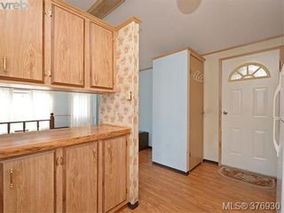 Photo 7: 61 1555 Middle Rd in VICTORIA: VR Glentana Manufactured Home for sale (View Royal)  : MLS®# 756727