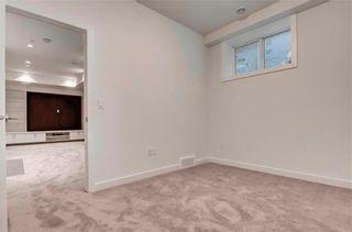 Photo 33: 2 137 24 Avenue NE in Calgary: Tuxedo Park Row/Townhouse for sale : MLS®# C4278414