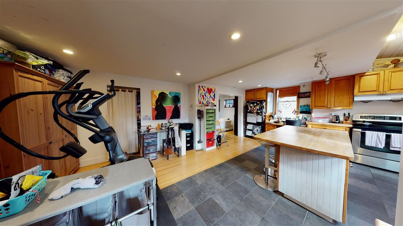 Photo 10: Photos: 1370 E 18TH Avenue in Vancouver: Knight House for sale (Vancouver East)  : MLS®# R2529375