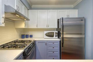 """Photo 11: 404 2161 W 12TH Avenue in Vancouver: Kitsilano Condo for sale in """"THE CARLINGS"""" (Vancouver West)  : MLS®# R2502485"""
