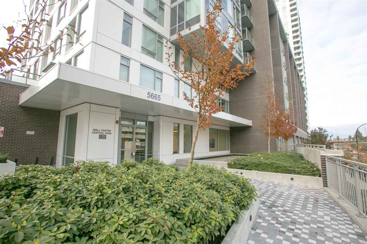 Main Photo: 1205 5665 BOUNDARY ROAD in Vancouver: Collingwood VE Condo for sale (Vancouver East)  : MLS®# R2418787