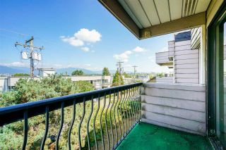 """Photo 13: 304 813 E BROADWAY in Vancouver: Mount Pleasant VE Condo for sale in """"BROADHILL MANOR"""" (Vancouver East)  : MLS®# R2314350"""