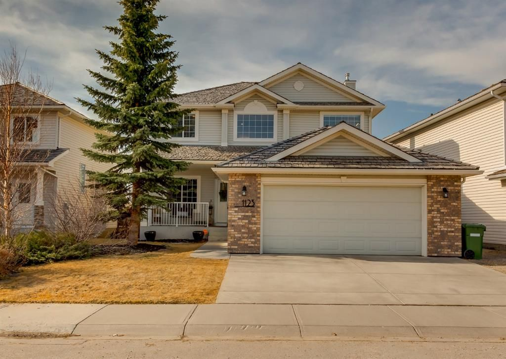Main Photo: 1123 Woodside Way NW: Airdrie Detached for sale : MLS®# A1090887