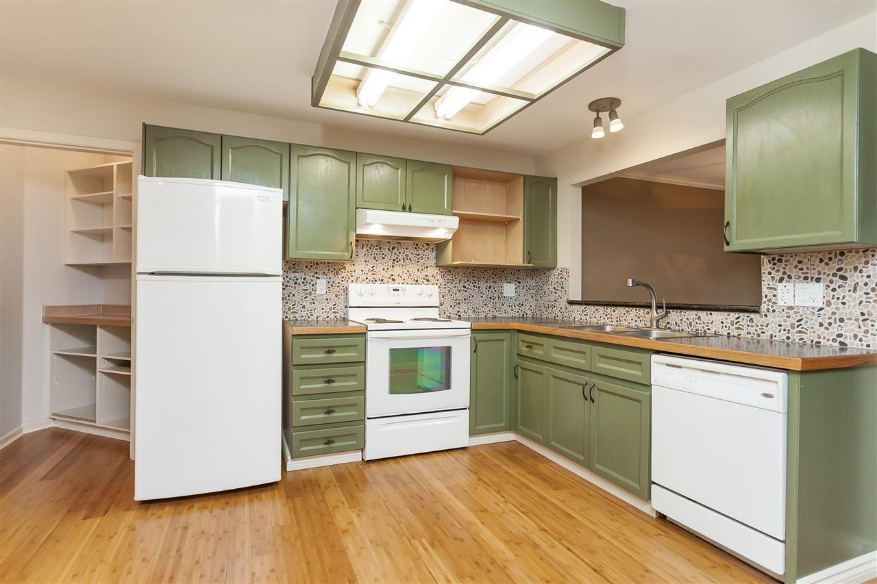 "Photo 4: Photos: 112 9299 121 Street in Surrey: Queen Mary Park Surrey Condo for sale in ""Huntington Gate"" : MLS®# R2365888"