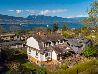 """Photo 3: 4545 W 6TH Avenue in Vancouver: Point Grey House for sale in """"Point Grey"""" (Vancouver West)  : MLS®# R2575660"""