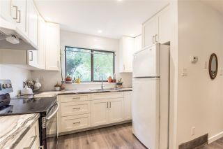 Photo 3: 106 511 GATENSBURY Street in Coquitlam: Central Coquitlam Townhouse for sale : MLS®# R2391118