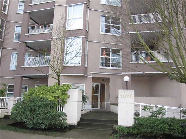 Main Photo: 102 1688 E 8TH Avenue in Vancouver: Grandview VE Condo for sale (Vancouver East)  : MLS®# V938122
