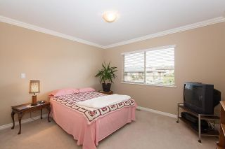 """Photo 13: 57 16655 64 Avenue in Surrey: Cloverdale BC Townhouse for sale in """"Ridgewood Estates"""" (Cloverdale)  : MLS®# R2394728"""