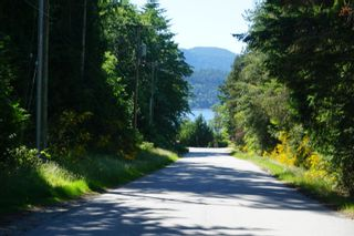 """Photo 6: 5456 DUSTY Road in Sechelt: Sechelt District House for sale in """"EAST PORPOISE BAY"""" (Sunshine Coast)  : MLS®# R2570249"""