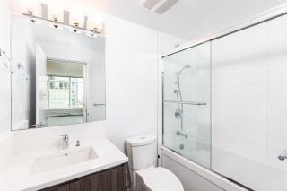 """Photo 5: 704 4900 LENNOX Lane in Burnaby: Metrotown Condo for sale in """"The Park"""" (Burnaby South)  : MLS®# R2553108"""